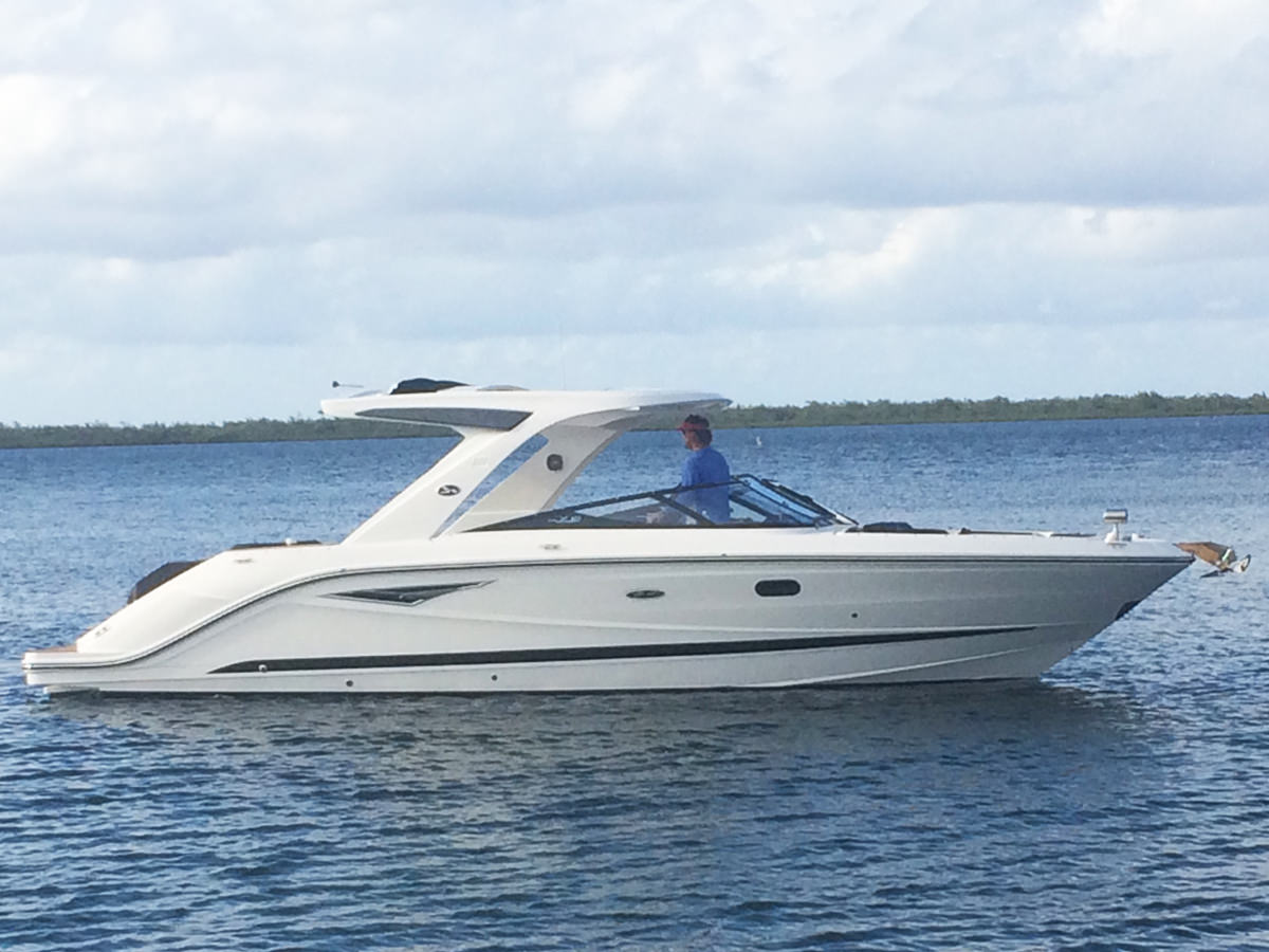 Searay 31 Slx Luxury Charter